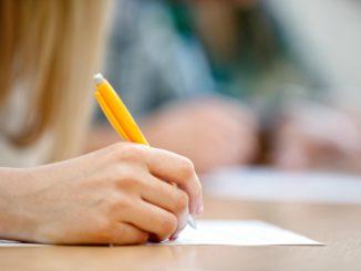 pessoa-escrevendo